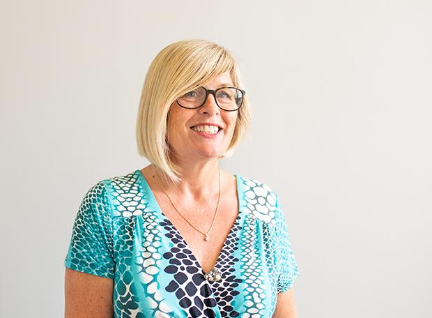 Meet our trichologist and non-surgical hair loss specialist – Eva Proudman MIT IAT